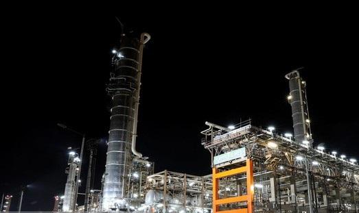 اولین کوره واحدهای بنزین سازی فاز سوم ستاره خلیج فارس وارد مدار شد