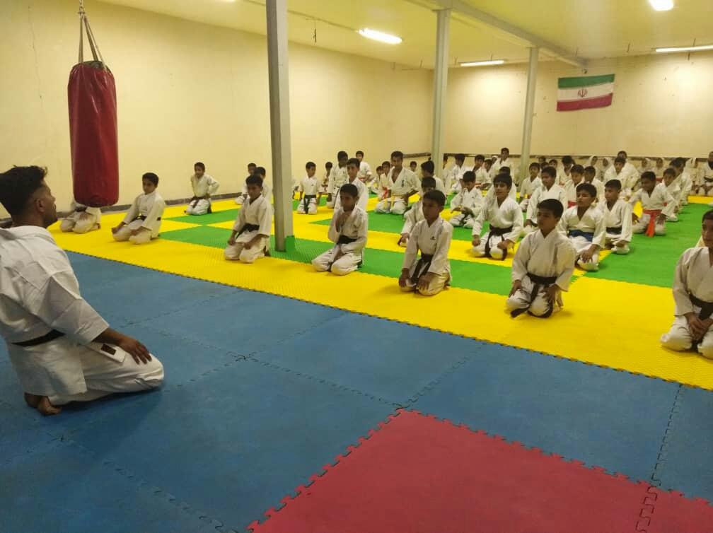 گذری از حاشیه افتتاح باشگاه کاراته آرتا آفرین؛ورزش محلات نیازمند حمایت برای کاهش آسیب های اجتماعی/ نیازمند نگاه تخصصی در محلات هستیم