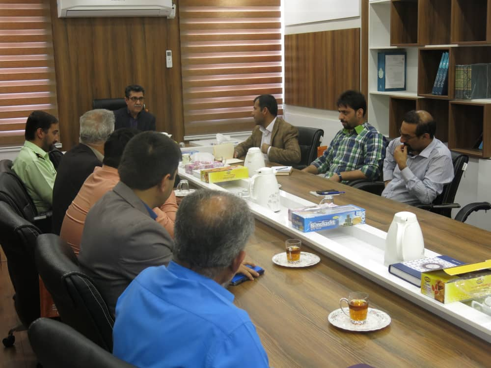 معاون فرماندار در شهرستان ابوموسی:افراد جامعه نقش مهمی در تامین حقوق شهروندی دارند/کرامت شهروندان باید حفظ شود