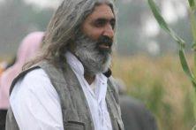 خدابخش دلیری شاعر بلند آوازه  جیرفتی را در نمایشگاه کتاب جنوب کرمان همراهی کنیم