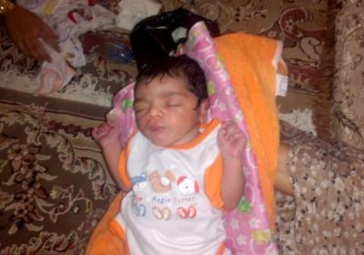 نوزاد رها شده در تازیان هرمزگان+تصویر