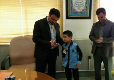 به مناسبت روز جهانی کودک انجام شد؛ دیدار جمعی از کودکان با فرماندار قشم