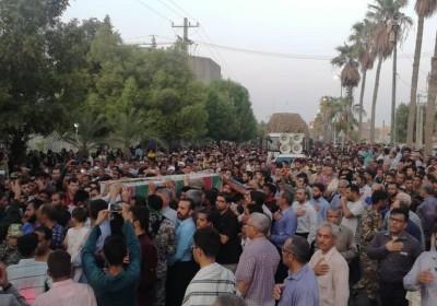 تشییع شهدای گمنام در بندرعباس به روایت تصویر