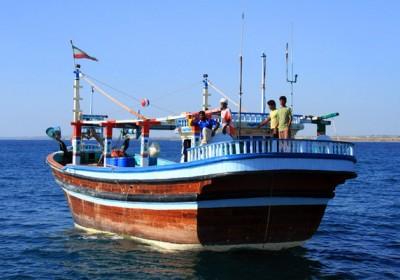 جانشین دریابانی هرمزگان:توقیف دو فروند لنج تجاری حامل کالای قاچاق در سواحل هرمزگان