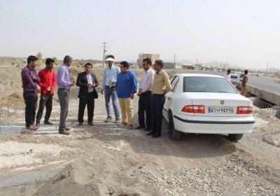 بازدید فرماندار قلعه گنج از روند احداث پل های باند دوم مسیر سرتک – دو راهی منوجان