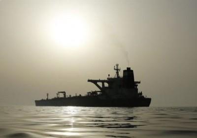 اولین نفتکش حامل سوخت ایرانی به منطقه آزاد اقتصادی ونزوئلا رسید.